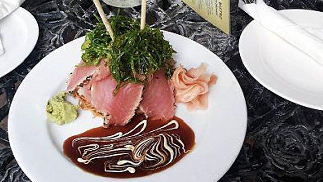 Aqua Bistro tuna plate
